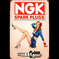 plaque vintage NGK BOUGIES PIN UP