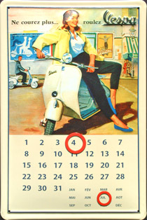 CALENDRIER PIN UP VESPA SCOOTER plaque relief métal 20x30 cm plaque relief métal 20x30 cm plaque relief métal 20x30 cm